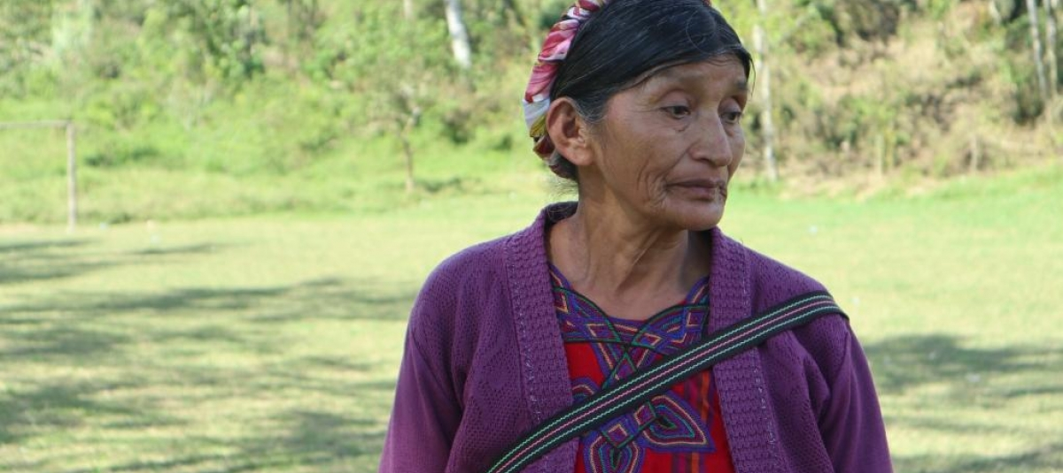 Foto: Maria Francisco Sebastiana er bosatt i lokalsamfunnet rundt Santa Cruz Barilla. De forteller om tiden etter igangsettelsen av prosjektet som preget av ustabilitet og arrestasjoner av familiemedlemmer.