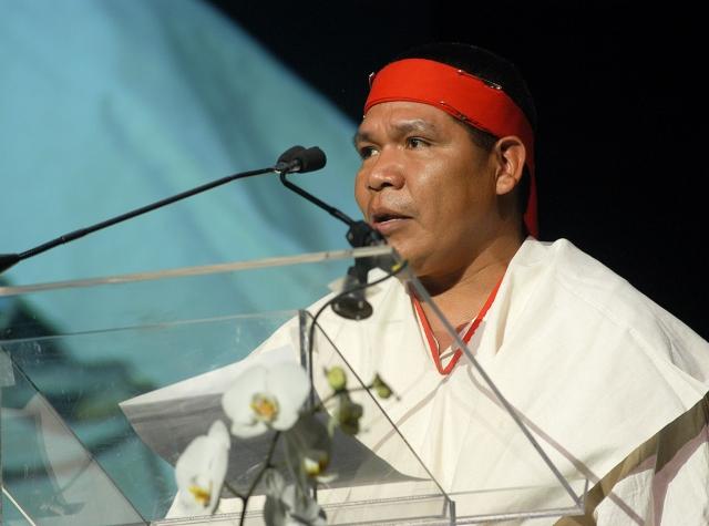 Foto: Isidro Baldenegro López under tildelinga av Goldman Environmental Prize. (goldmanprize.org)